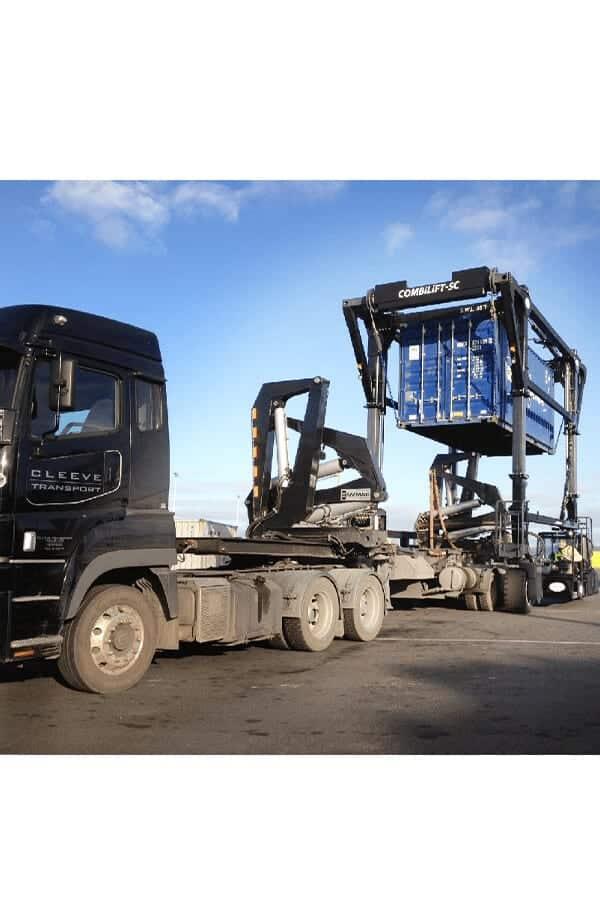 ITL-Gabelstapler-Saarland-Combilift-Straddle-Carrier-Containerstapler-Reachstacker-8