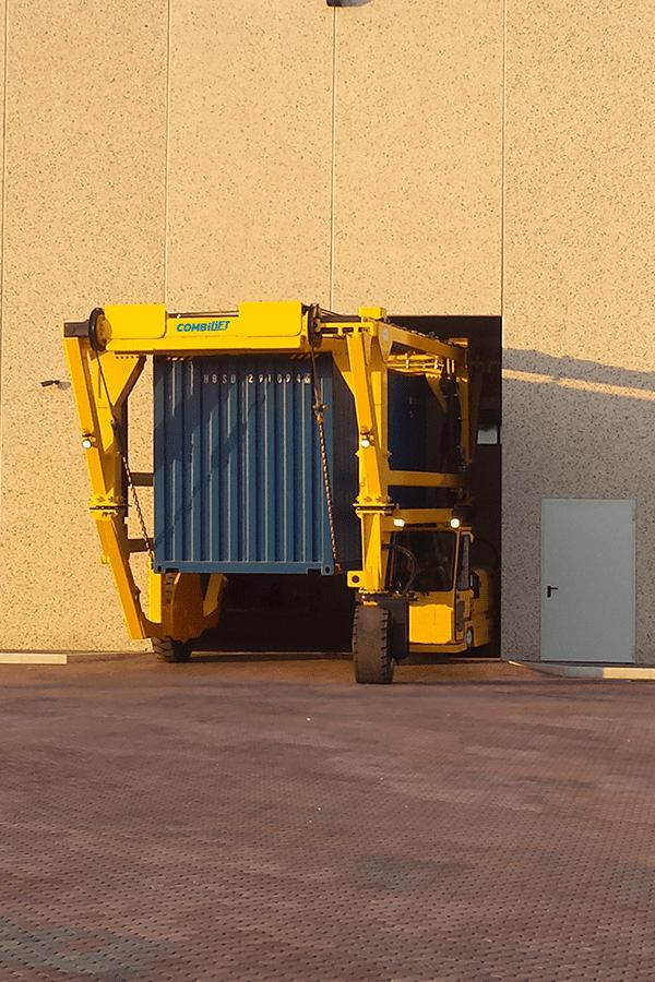 ITL-Gabelstapler-Saarland-Combilift-Straddle-Carrier-Containerstapler-Reachstacker-9