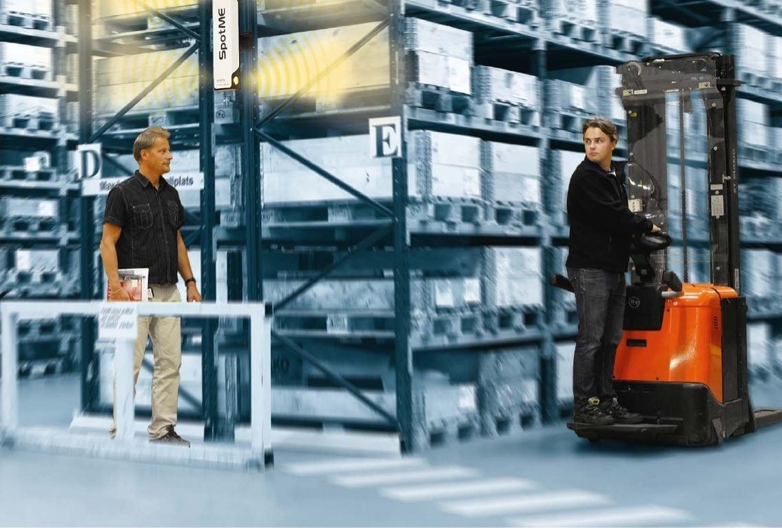 Toyota-Gabelstapler-ITL Lagertechnik Blog Toyota SpotMe Sicherheitssystem Lagerhallen Flurfoerderzeuge 1