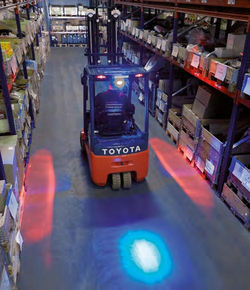 Toyota-Gabelstapler-ITL Lagertechnik Blog Toyota Warnzonenlampe fuer Gabelstapler Schubmaststapler Sicherheit 1