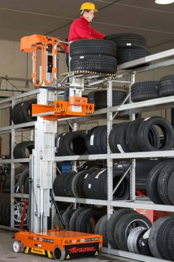 Toyota-Gabelstapler-ITL Lagertechnik Faraone Elevah 65 Move Picking Arbeitsbuehne Hebebuehne 10 Detailansicht