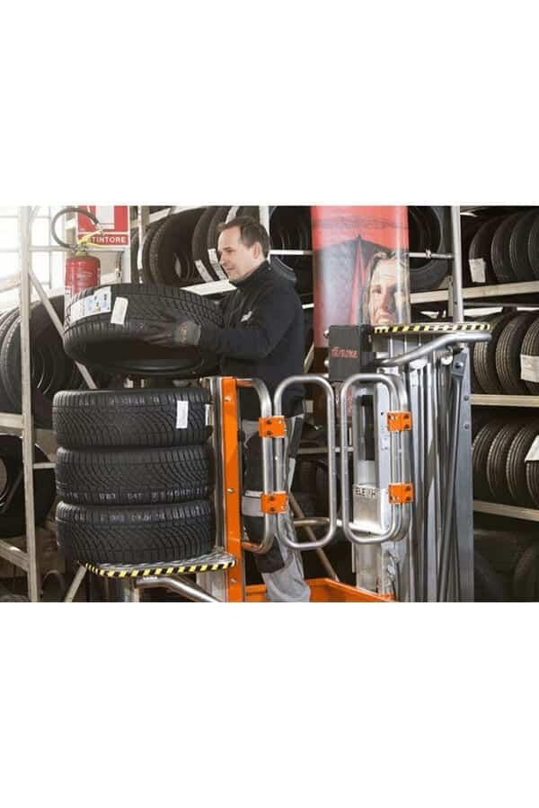 Toyota-Gabelstapler-ITL Lagertechnik Faraone Elevah 65 Move Picking Arbeitsbuehne Hebebuehne 11 Detailansicht