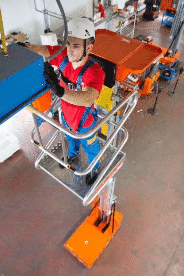 Toyota-Gabelstapler-ITL Lagertechnik Faraone Elevah 80 Move Hebebuehne Arbeitsbuehne 3 Detailansicht