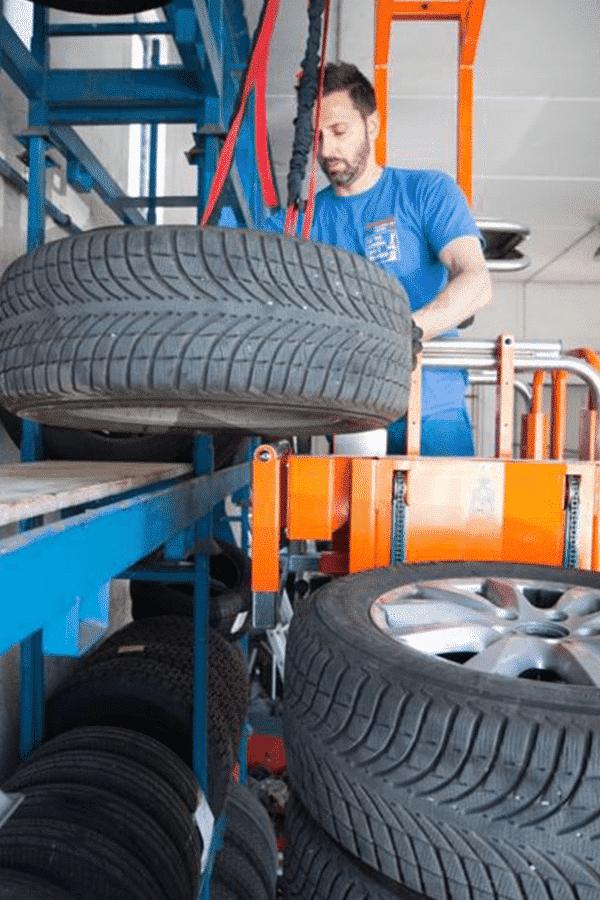 Toyota-Gabelstapler-ITL Transportmaschinen Faraone Elevevah Picking 75 Tires Reifen Kommissionierung Einlagerung 1 Detailansicht