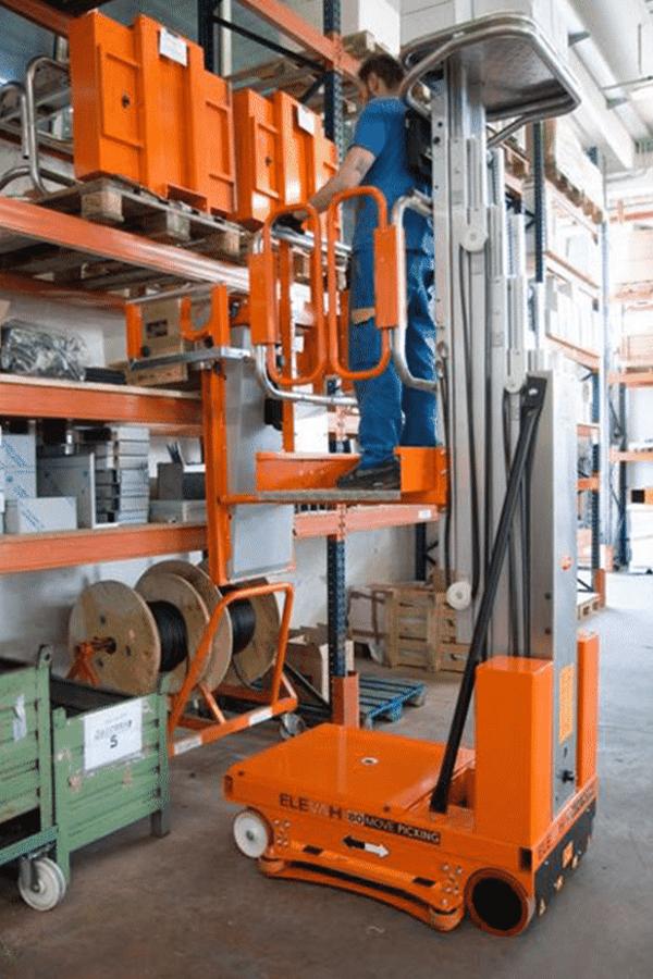 Toyota-Gabelstapler-ITL Transportmaschinen Faraone Elevevah Picking 75 Tires Reifen Kommissionierung Einlagerung 17 Detailansicht