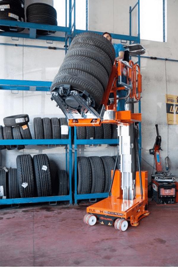 Toyota-Gabelstapler-ITL Transportmaschinen Faraone Elevevah Picking 75 Tires Reifen Kommissionierung Einlagerung 2 Detailansicht