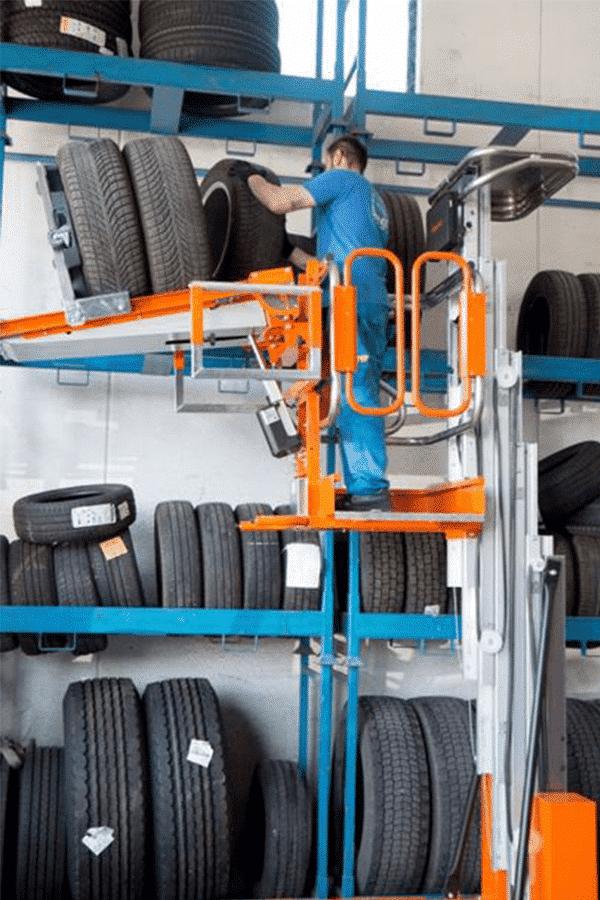 Toyota-Gabelstapler-ITL Transportmaschinen Faraone Elevevah Picking 75 Tires Reifen Kommissionierung Einlagerung 4 Detailansicht