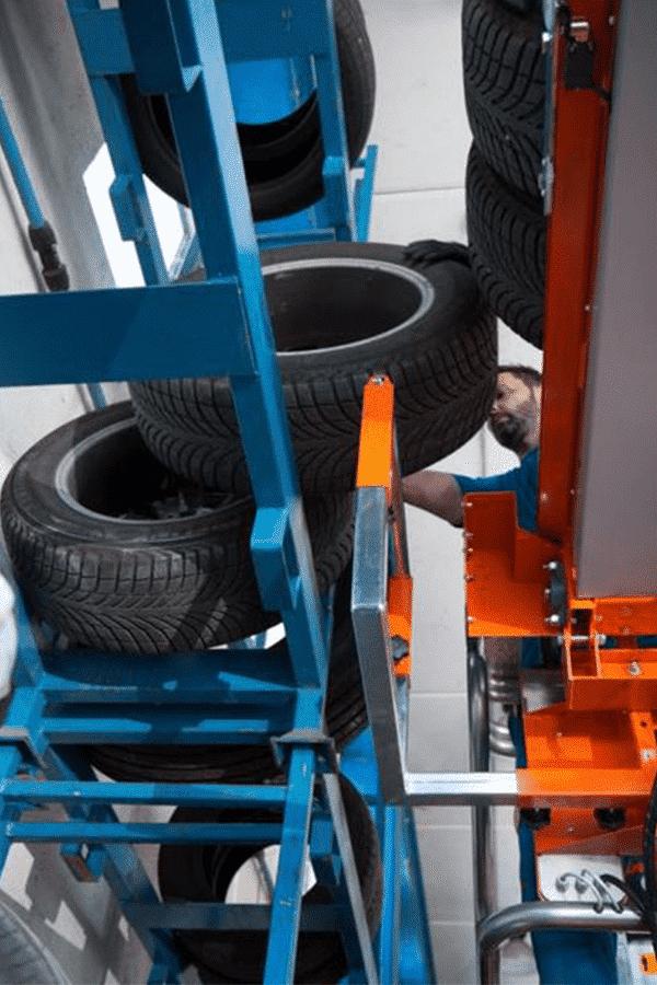 Toyota-Gabelstapler-ITL Transportmaschinen Faraone Elevevah Picking 75 Tires Reifen Kommissionierung Einlagerung 9 Detailansicht