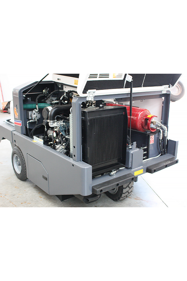 Toyota-Gabelstapler-ITL Transportmaschinen GmbH Toyota Gabelstapler Dulevo Kehrmaschine 1750 100 Elite 05