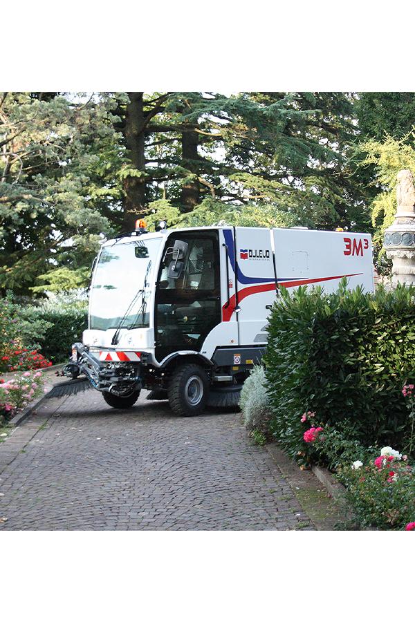 Toyota-Gabelstapler-ITL Transportmaschinen GmbH Toyota Gabelstapler Dulevo Kehrmaschine 3000 bild04