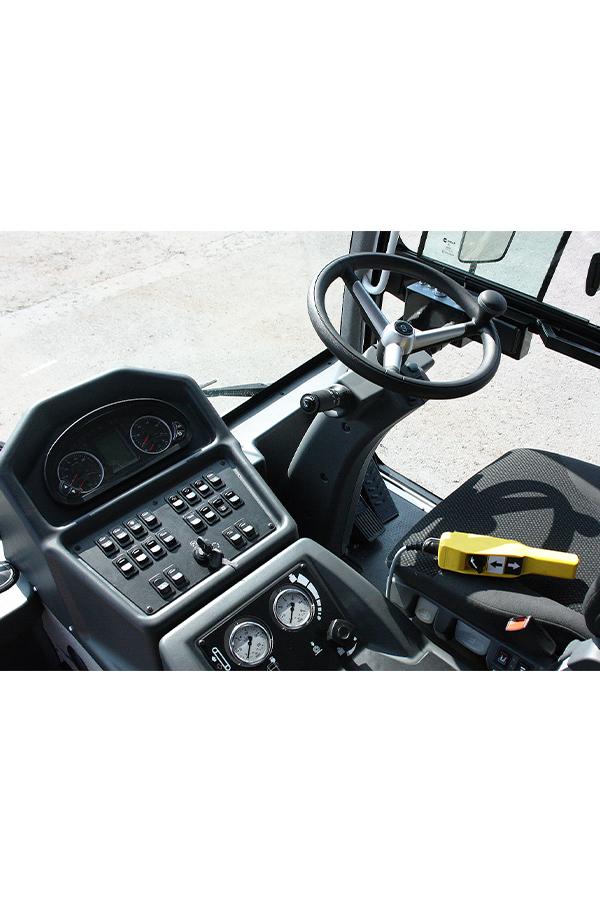 Toyota-Gabelstapler-ITL Transportmaschinen GmbH Toyota Gabelstapler Dulevo Kehrmaschine 3000 bild11