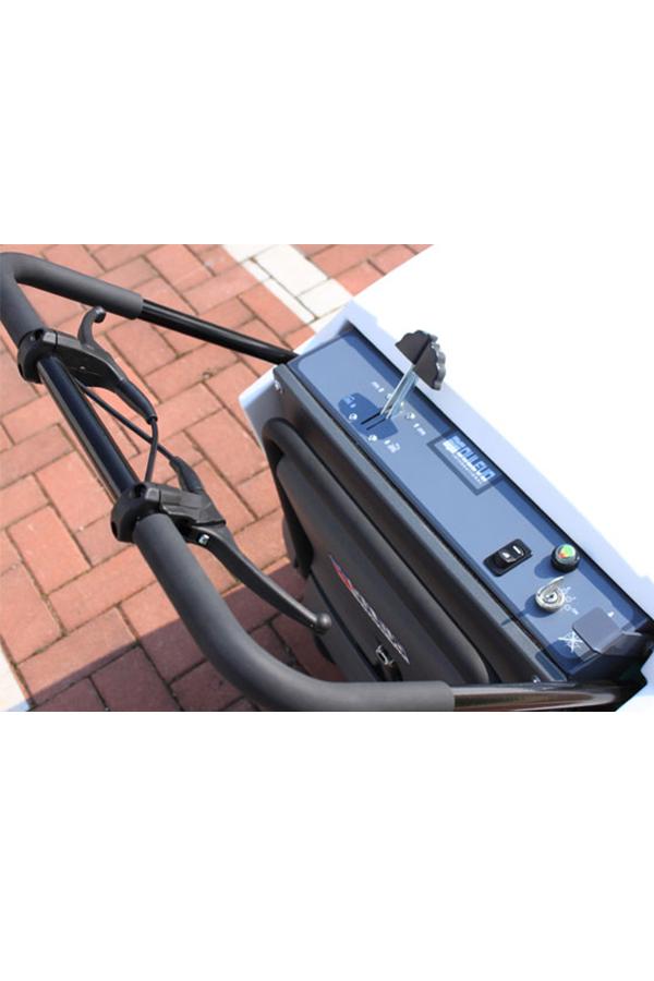 Toyota-Gabelstapler-ITL Transportmaschinen GmbH Toyota Gabelstapler Dulevo Kehrmaschine 52 74Wave7