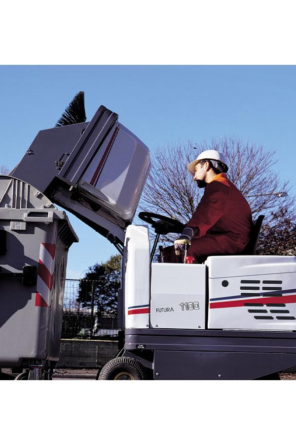 Toyota-Gabelstapler-ITL Transportmaschinen GmbH Toyota Gabelstapler Dulevo Kehrmaschine Futura 1100 09
