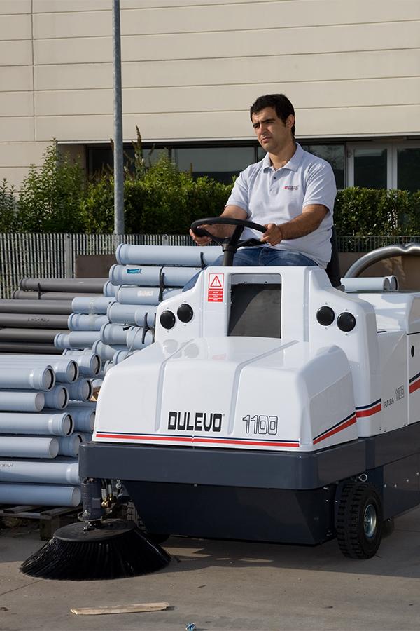 Toyota-Gabelstapler-ITL Transportmaschinen GmbH Toyota Gabelstapler Dulevo Kehrmaschine Futura 1100 11