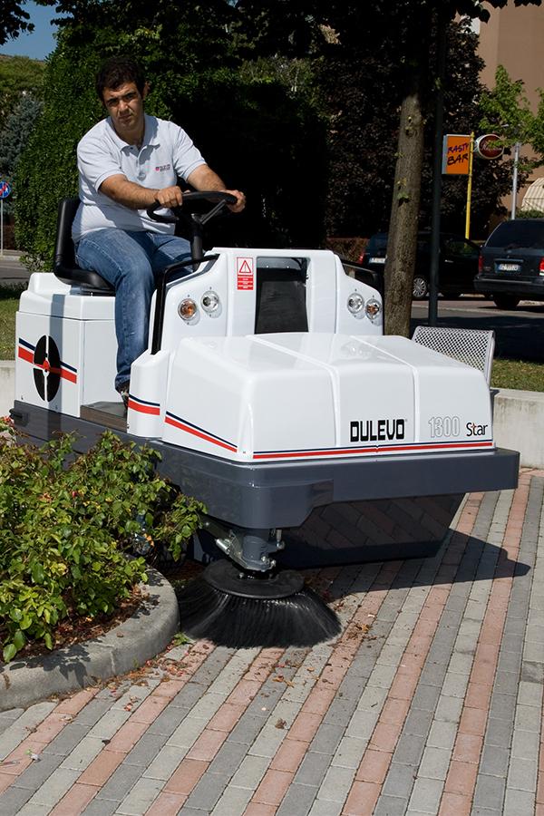 Toyota-Gabelstapler-ITL Transportmaschinen GmbH Toyota Gabelstapler Dulevo Kehrmaschine Star 1300 06
