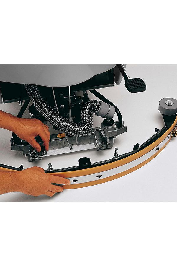 Toyota-Gabelstapler-ITL Transportmaschinen GmbH Toyota Gabelstapler Dulevo Scheue WB5 bild08