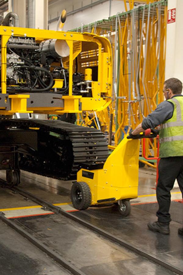 Toyota-Gabelstapler-ITL Transportmaschinen GmbH Toyota Gabelstapler MasterMover Elektroschlepper ATP400 detail09