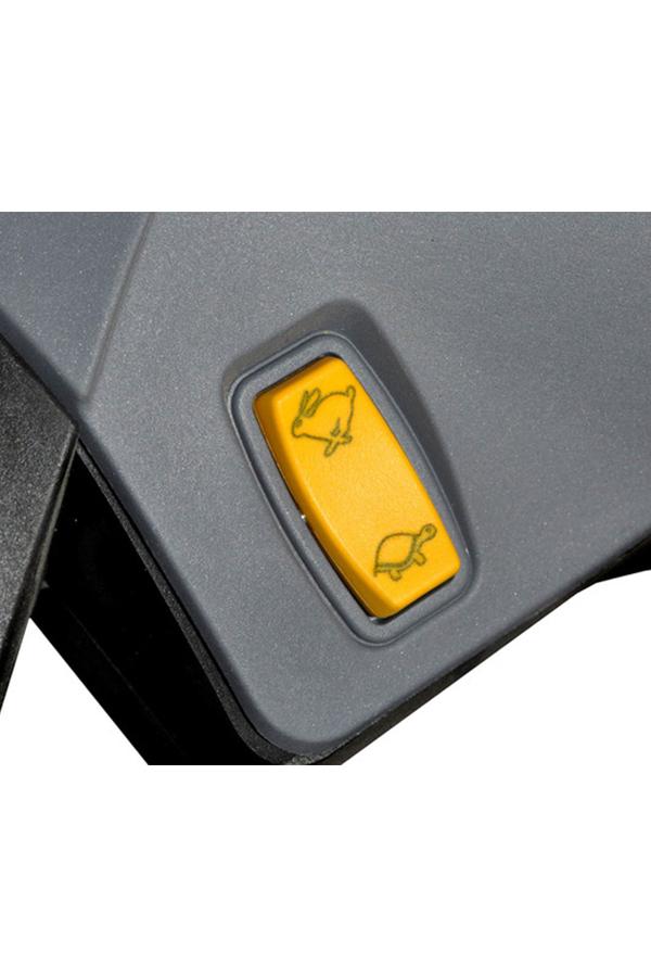 Toyota-Gabelstapler-ITL Transportmaschinen GmbH Toyota Gabelstapler MasterMover Elektroschlepper MH400 detail05