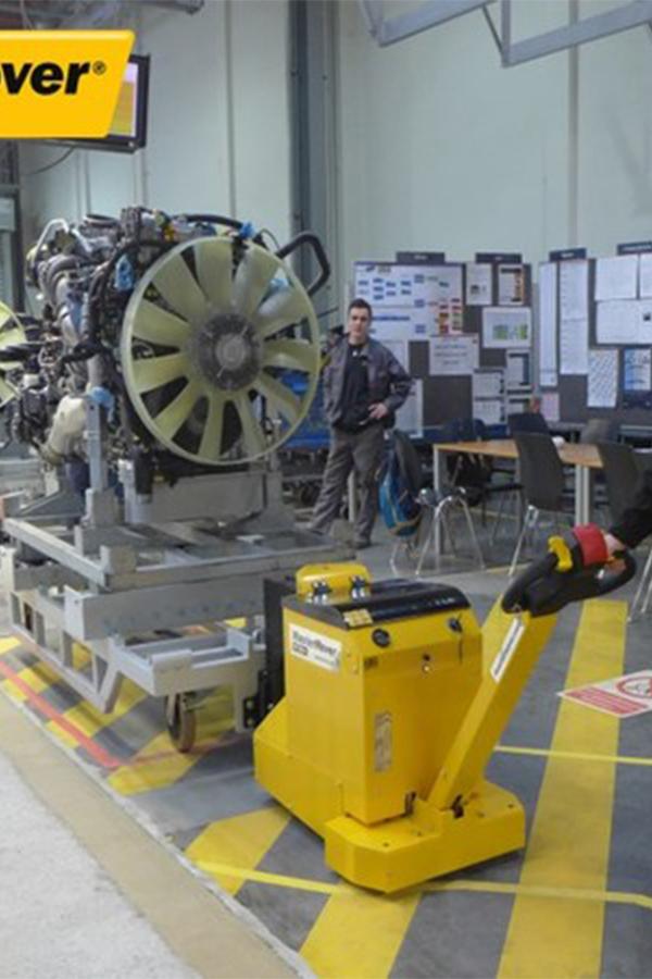 Toyota-Gabelstapler-ITL Transportmaschinen GmbH Toyota Gabelstapler MasterMover Elektroschlepper MT300 detail01