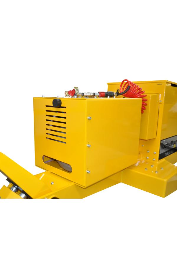 Toyota-Gabelstapler-ITL Transportmaschinen GmbH Toyota Gabelstapler MasterMover Elektroschlepper TMS1100 detail04