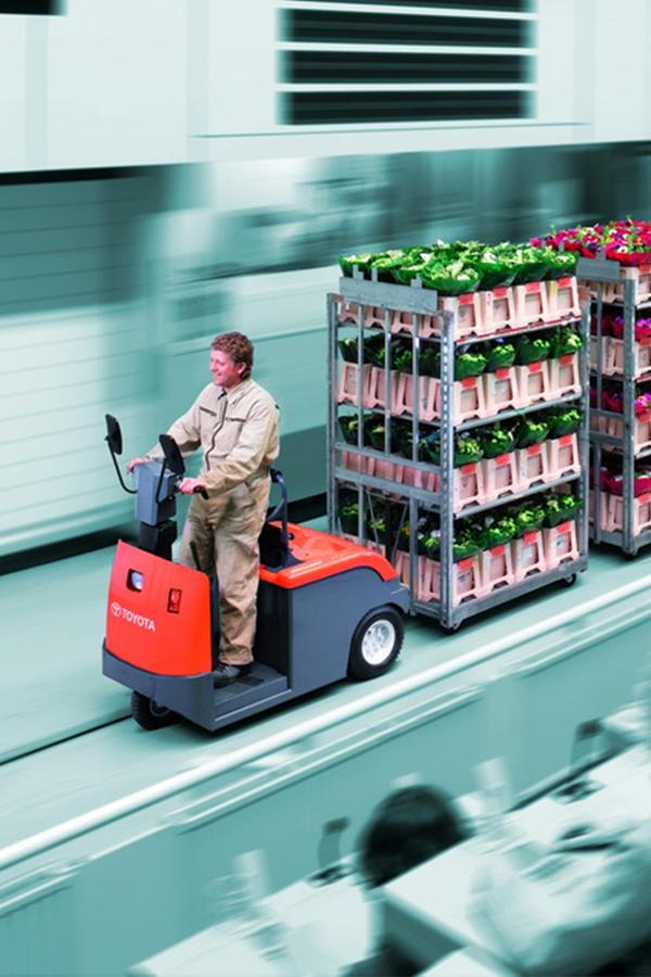 Toyota-Gabelstapler-ITL Transportmaschinen GmbH Toyota Gabelstapler Schlepper Tracto 4CBTY 6100