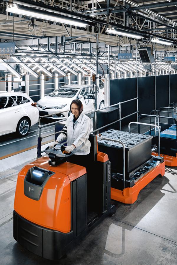 Toyota-Gabelstapler-ITL Transportmaschinen GmbH Toyota Gabelstapler Schlepper Tracto TSE500 616