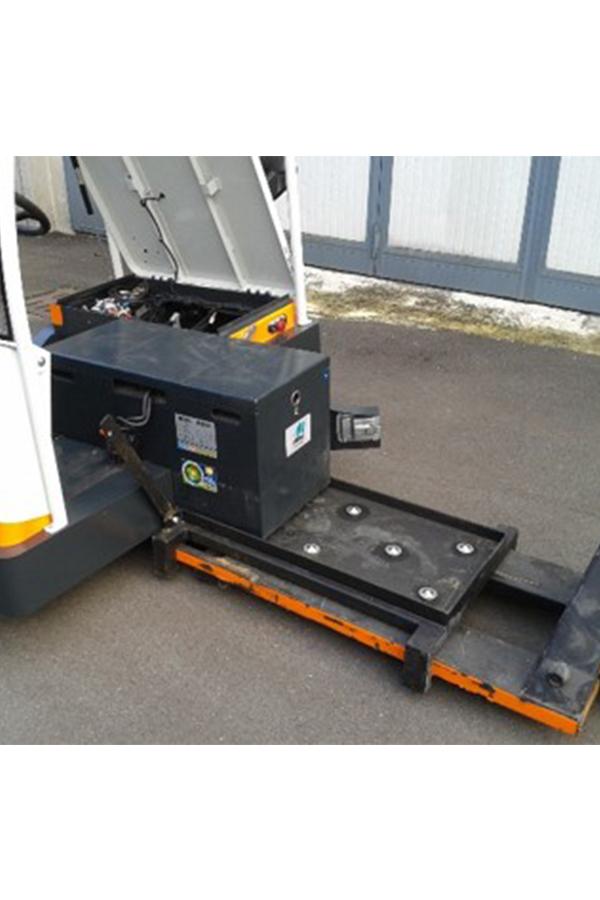 Toyota-Gabelstapler-ITL Transportmaschinen GmbH Toyota Gabelstapler Simai Elektroschlepper TTE40 PPT3