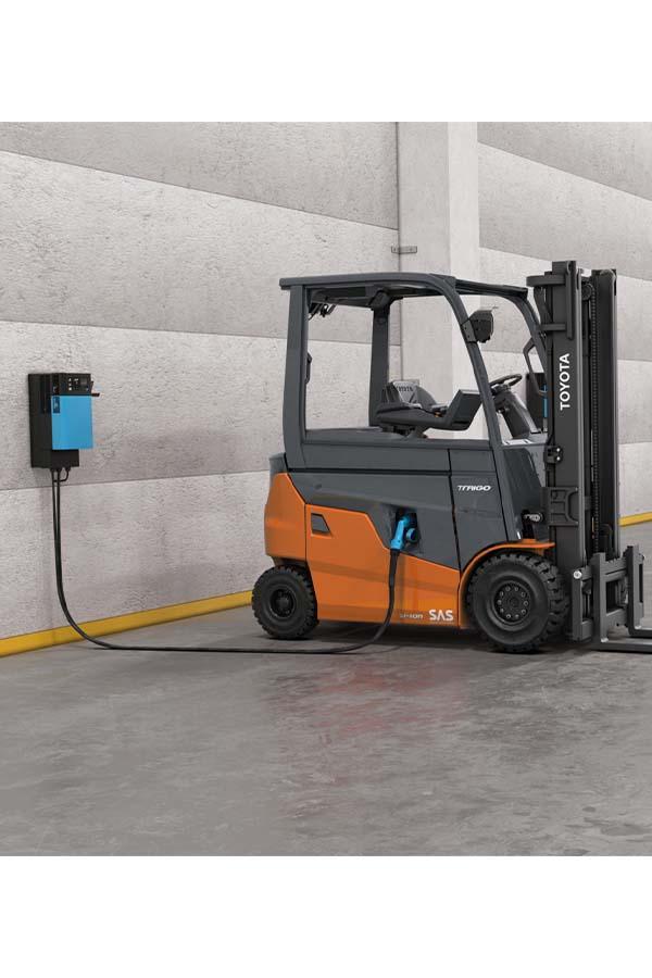 Toyota-Gabelstapler-ITL Transportmaschinen Toyota Elektrostapler Traigo 80 detail08