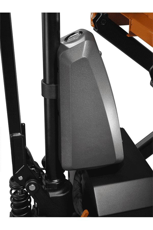 Toyota-Gabelstapler-f13202bt lifter hhl100 display consol LO.jpg