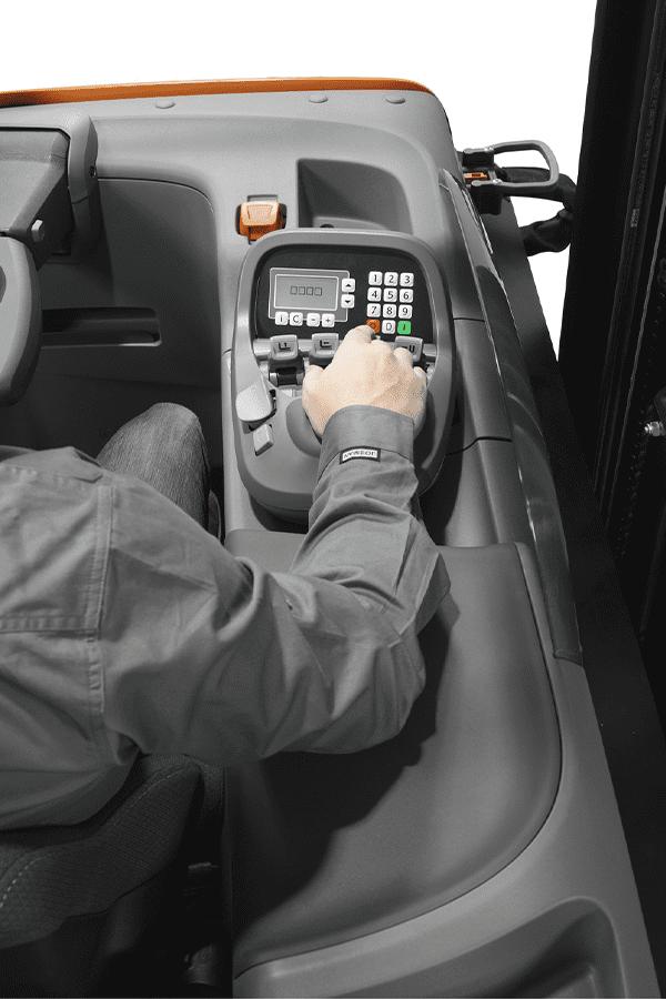Toyota-Gabelstapler-ftoyota bt reflex b series rre160b controls LO 15666.jpg